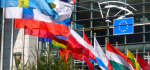 European Parliament flags and flowers_ft